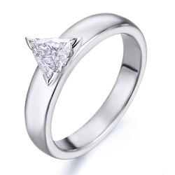 Solitario de oro blanco 18Kt con diamante triangulo (AN126268)