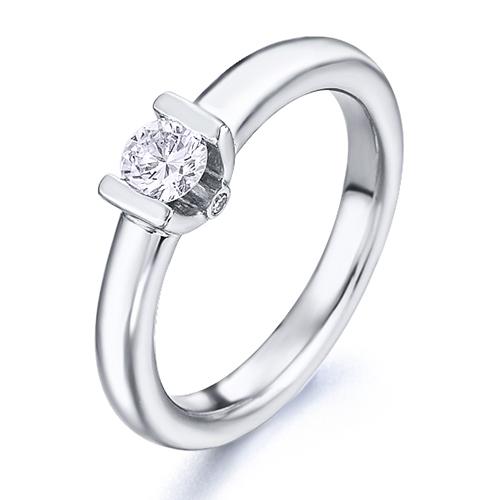 Anillo solitario de oro blanco 18Kt con diamantes