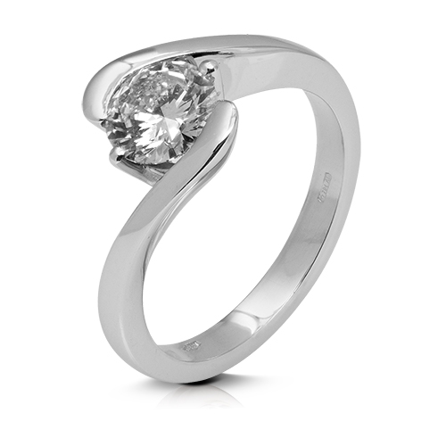 Anillo solitario de oro blanco 18Kt con diamante
