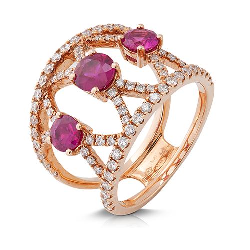 Anillo  diseño de oro rosa 18 Kt con diamantes y rubis