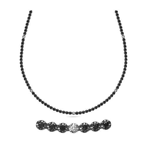 Collar  diseño de oro blanco 18 Kt con diamantes negros y blancos