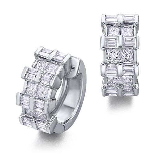 Pendientes  diseño de oro blanco 18Kt con diamantes